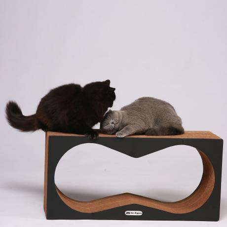 Когтеточка-лежанка для кошек Корнерс черная