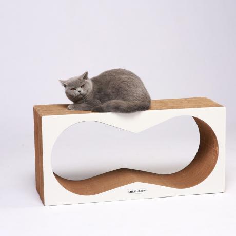 Когтеточка-лежанка для кошек Корнерс белая