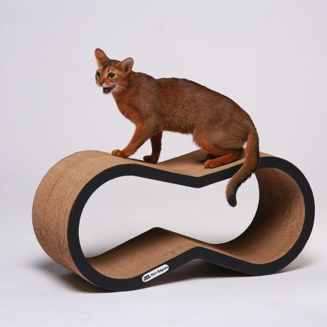 Когтеточка-лежанка для кошек Краун черная