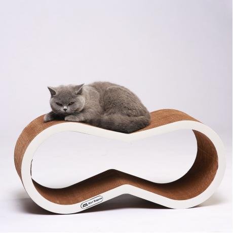 Когтеточка-лежанка для кошек Краун белая