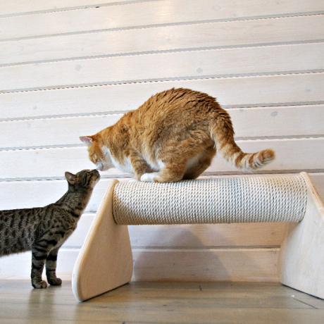 Когтеточка-столбик лежанка для кошек Йорокоби