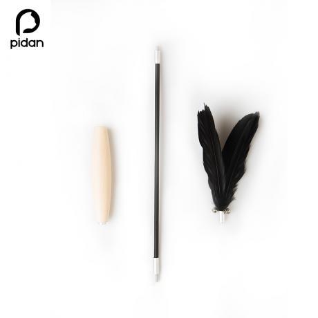 Игрушка-удочка дразнилка с деревянной ручкой от Pidan (черная)