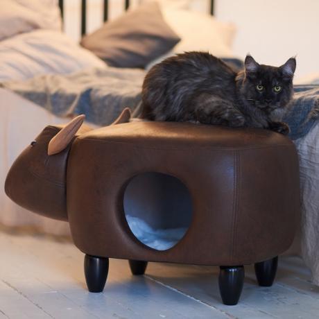 Домик-пуфик для кошек Бык